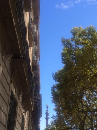 Hostal Ramos : Рамбла и порт, несколько минут приятной прогулки от отеля
