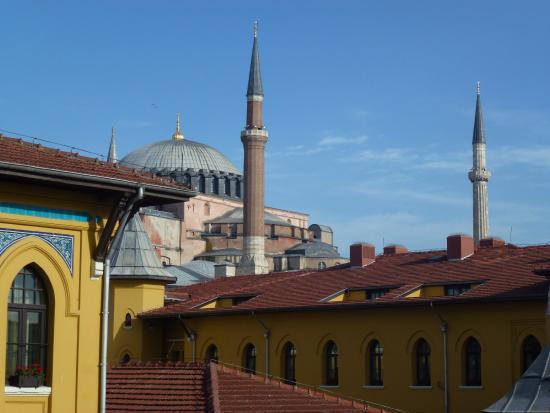 İstanbul Hostel: Aussicht von der Dachterrasse des Hostels (Blaue Moschee)