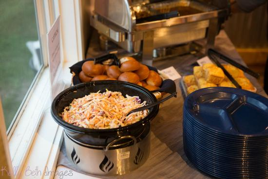 Wildwood Barbeque: catering buffet