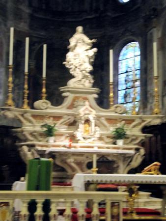 Basilica di Santa Maria di Nazareth: l'altare maggiore