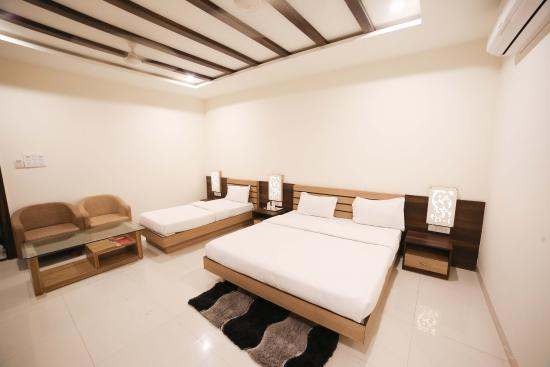 OYO Rooms Meghdoot Resort