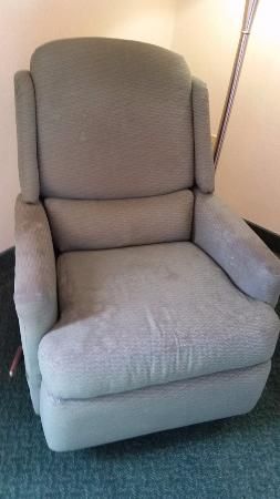 Quality Inn Wright Patterson: Stains all over chair