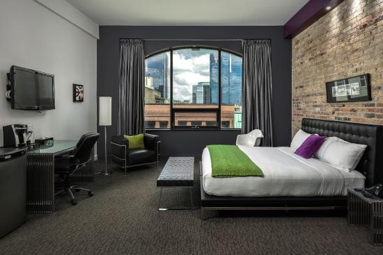 Hotel Metro: Signature Loft King Room