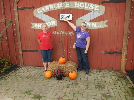 Carriage House Motor Inn: My wife and a friend