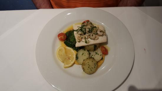 Sunny Brae Hotel: Halibut with shrimp