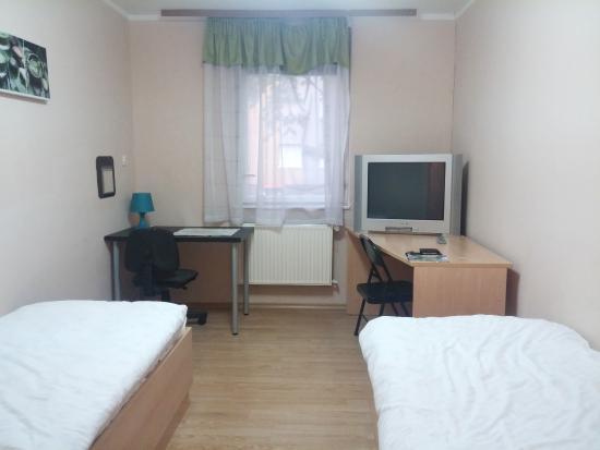 Budget Rooms Vodmat: habitacion 2 camas
