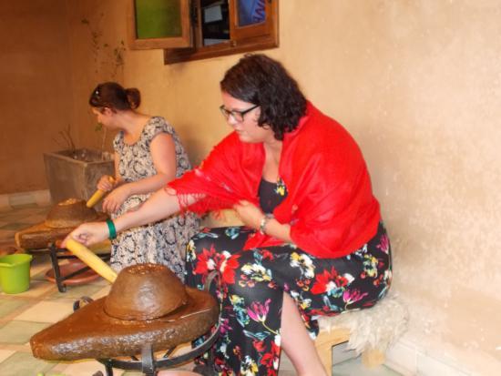Caribbean Village Agador: Making Argan oil