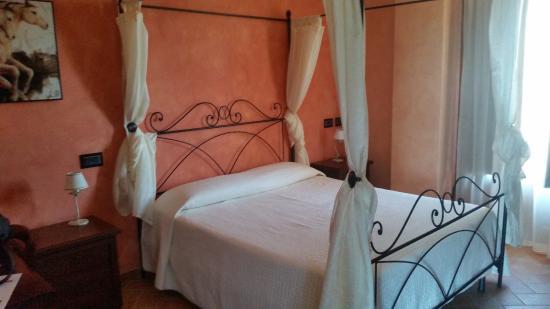 Villa Barbarossa : Camera da letto