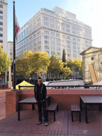 The Nines, a Luxury Collection Hotel, Portland: View of the hotel from Pioneer Square