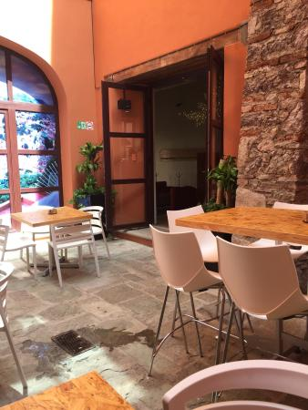 AP.Tito Restaurante Terraza/Bar