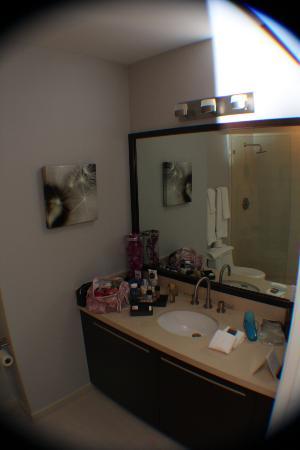 North Bay Village, FL: Banheiro suite 2