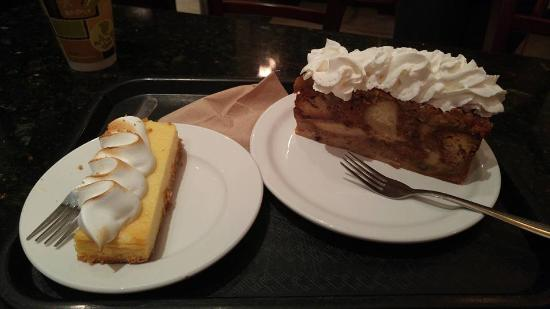 Wilton Manors, Φλόριντα: Bread pudding and passion fruit tart