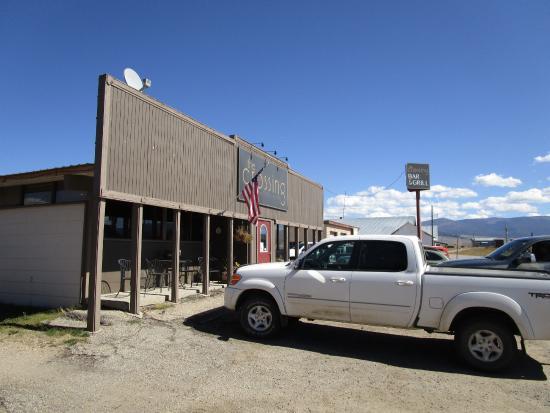 Wisdom, MT: The Crossing Bar & Grill