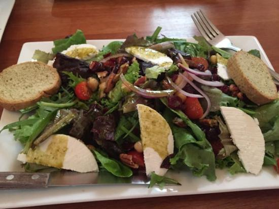 Gourmand: Goat cheese salad