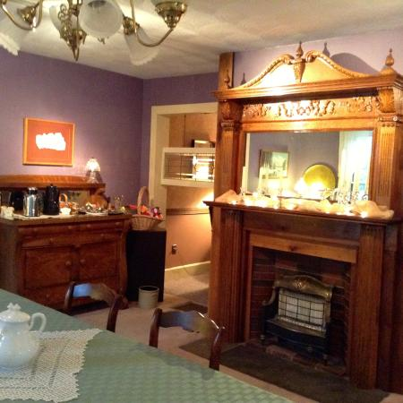 Pine City, Estado de Nueva York: Rufus Tanner House Bed & Breakfast - dining room area