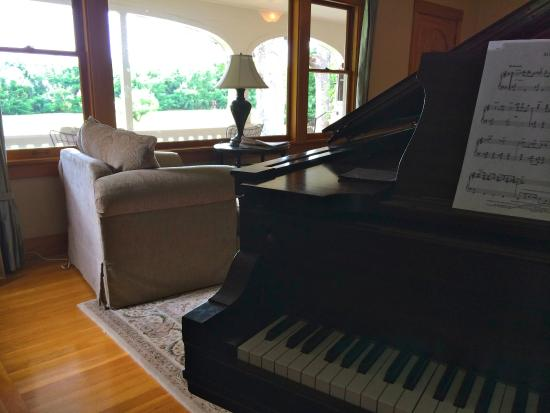 Seven Oaks Bed and Breakfast: View From Grand Piano
