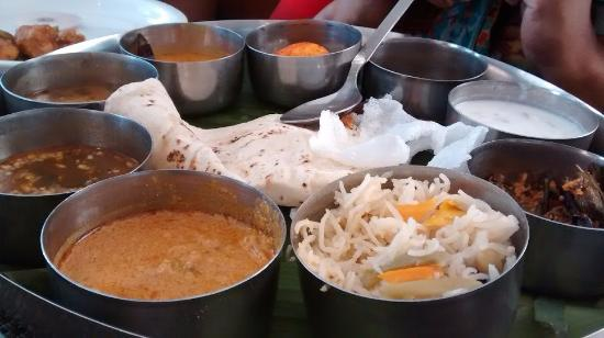 The Spice Village: Non-Veg Thali