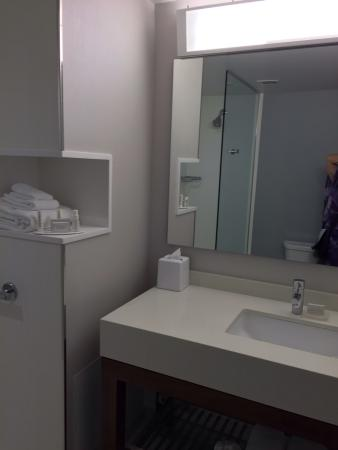 Courtyard by Marriott, Winnipeg.  Room 624 Bathroom, amenities, and information on the Bistro Ca