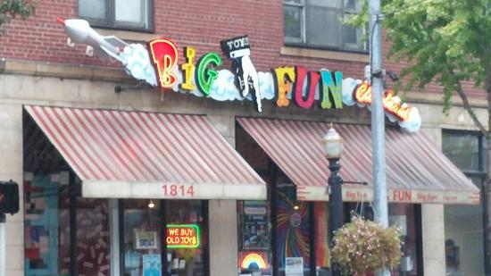 ‪Big Fun Toy Store‬