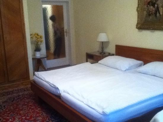 Pension Sacher: The Two Beds Are Really One Bed, Two Mattresses.