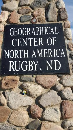 ‪‪Rugby‬, ‪North Dakota‬: Sign on monument‬