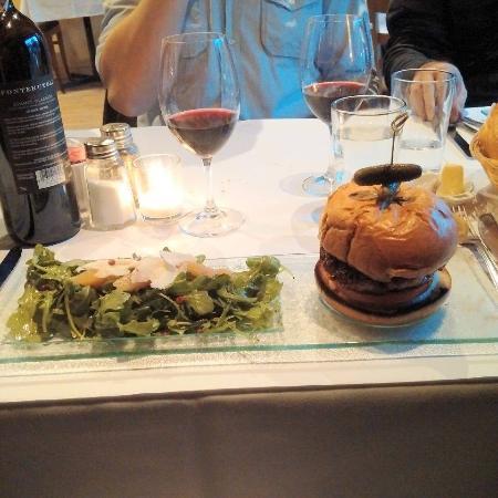 Au Petit Resto: hamburger de magret