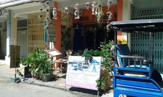 Center Cafe & Dormitory