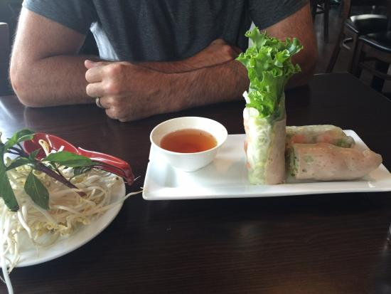 Green Leaf Bistro: Rice shrimp rolls