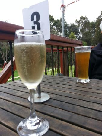 Moody Cow Brewery: Nice  25  min from Bunbury ,  zest  is  the  beer  and Capel  champaign . ...