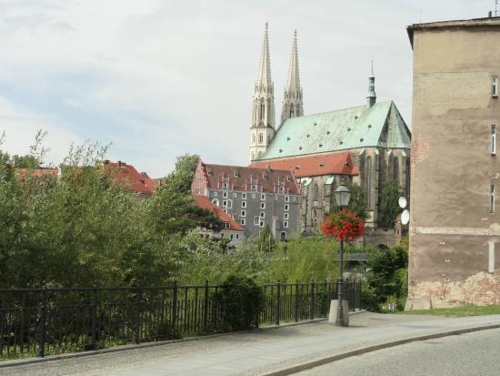 Ristorante & Pizzeria Espresso: Blick auf die Kirche in Görlitz