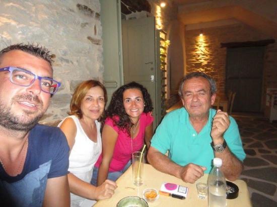 Γιαλός, Ελλάδα: Εμείς με τους ιδιοκτήτες