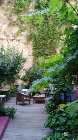 Chambres d'Hotes d'Endoume : giardino