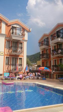 Magic Tulip Beach Hotel: Great location