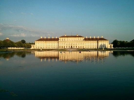 Oberschleissheim, Jerman: Neues Schloss Schleißheim in Abendstimmung