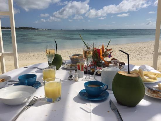 Lux Belle Mare Breakfast On The Beach At
