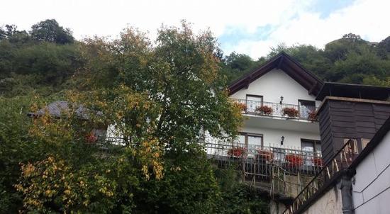 Hotel Baeren : Utsikt fra rom nr 24. Baksiden av hotellet.