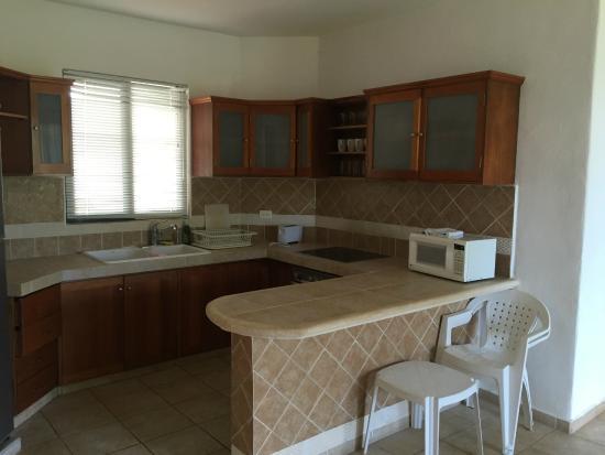 Villas Mayaluum: kitchen