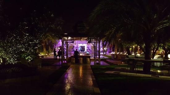 les jardins d 39 ines restaurant bild von les jardins d 39 ines restaurant marrakesch tripadvisor. Black Bedroom Furniture Sets. Home Design Ideas