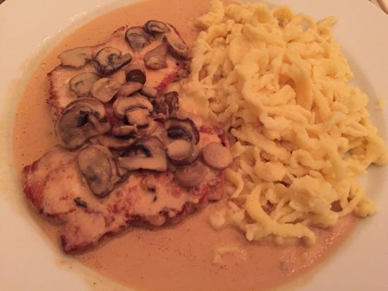Schweine schnitzel in riesling rahmsauce deluxe sp tzle for Murrhardter hof stuttgart