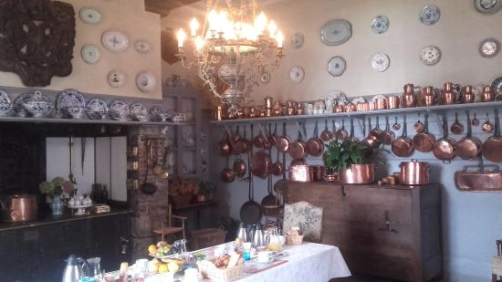 Lyons-la-Foret, França: cuisine petit déjeuner