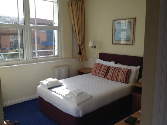 The Hermitage Hotel Bournemouth: Bed
