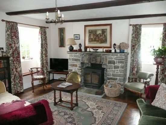 Lower Tresmorn Farm: farmhouse sitting room