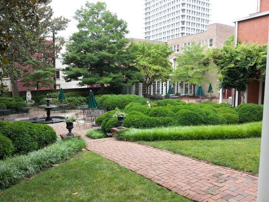The Valentine   Richmond History Tours: City Center Walking Tour   Garden  At The Valentine