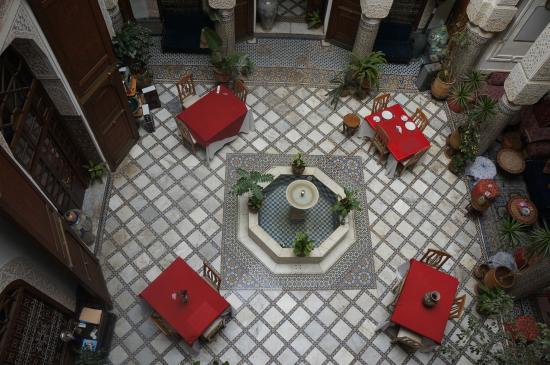 Riad Sara: Courtyard from up