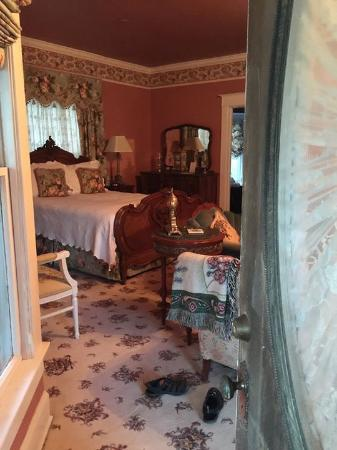 Hayes House Bed and Breakfast: The governors suite