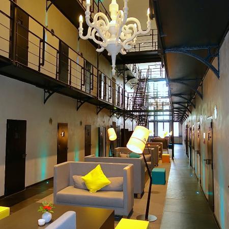 Het Arresthuis: lobby