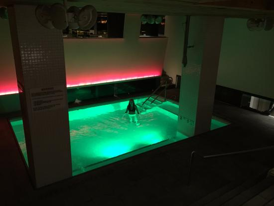 Room Mate Grace: Sweet Indoor Pool With Changing Lights.