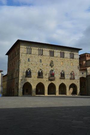 ปีสตอยอา, อิตาลี: Pistoia