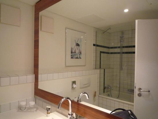 Mercure Hotel Krefeld: Badezimmer
