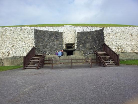 Meadow View B&B: Newgrange Monument - close to visit
